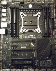 MSI X99S SLI Plus mit Kingston Hyper X Fury DDR4-2666 und einem Heatkiller 4 Pro