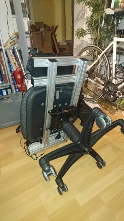 Unterseite Stuhl.jpg